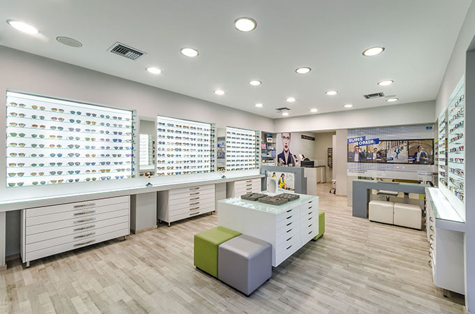 The interior of the optical shop Yperorasi